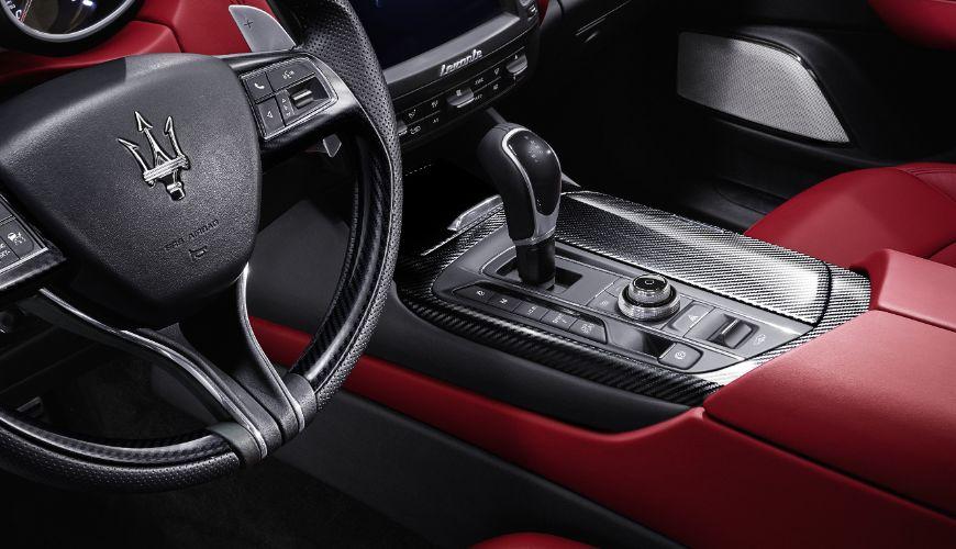 Maserati Levante voznikov sedež