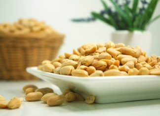 olupljeni arašidi