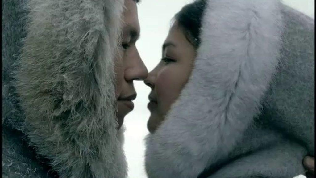 Eskimi in njihovo poljubljanjw