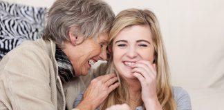 pogovor med babico in vnukinjo