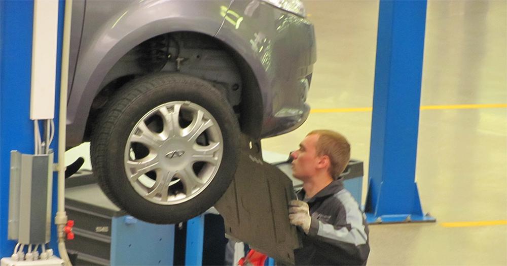 popravilo avtomobila