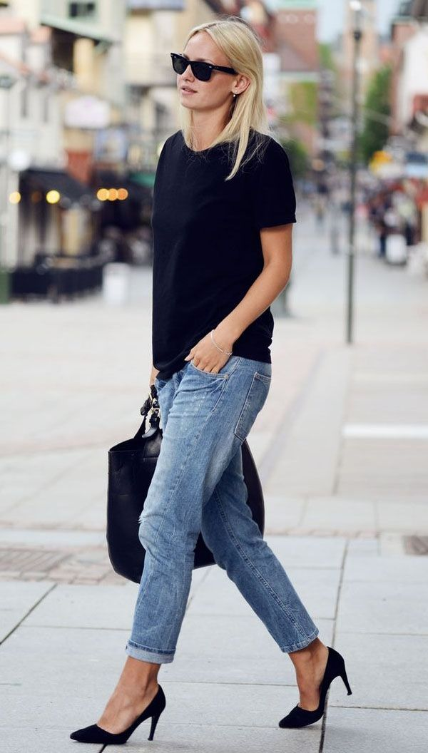 how to wear a t shirt with jeans