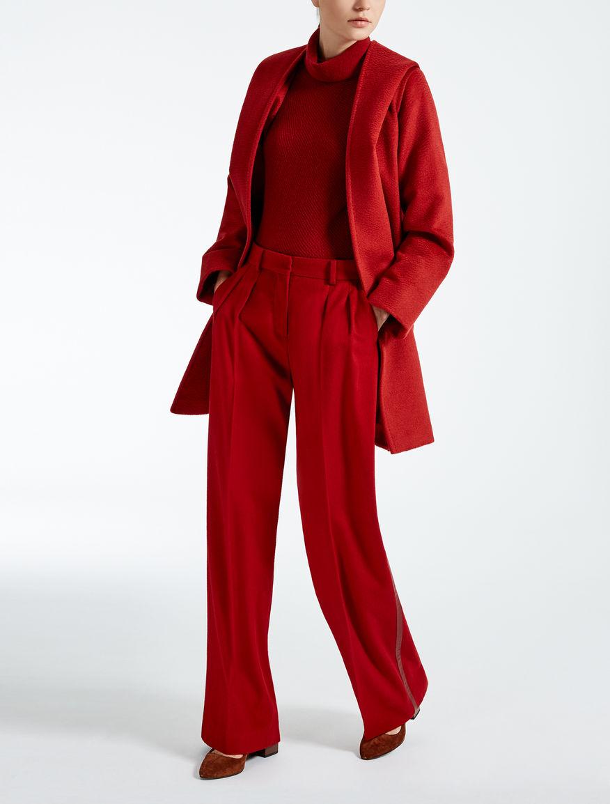 rdeč modni kos